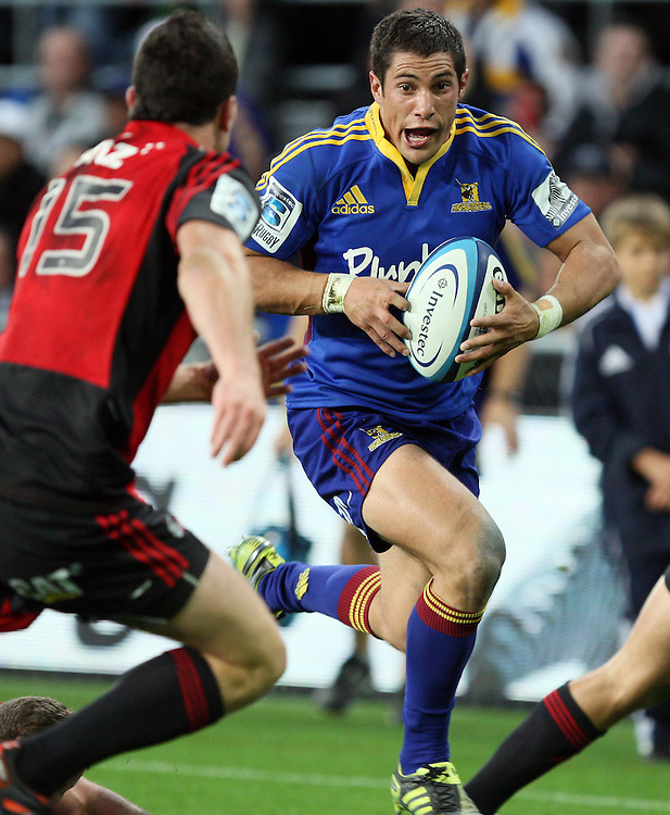Highlander's Phil Burleigh  makes a break against the Crusaders in the Super 15 rugby match at Forsyth Barr Stadium, Dunedin, New Zealand, Saturday, March 03, 2012. Credit:SNPA / Dianne Manson