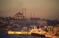 Turkey. Istanbul. port on the Bosphore, /  Le port d'Istamboul, sur le Bosphore, Turquie    Mediteranee