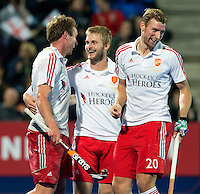 LONDON -  Unibet Eurohockey Championships 2015 in  London. England v Spain. Chris Griffiths (l)  has scored 3-0 and celebrates with Dan Shingles (r)  and Ashley Jackson   from England . WSP Copyright  KOEN SUYK
