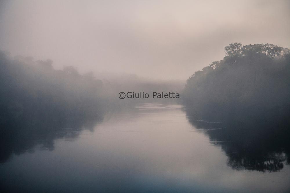 Morning fog along the river Xié