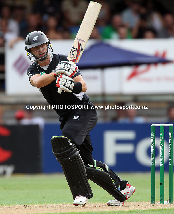 Peter Ingram batting for New Zealand.<br />