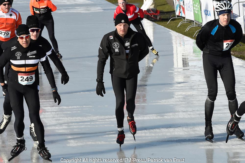 De Hollandse 100 op FlevOnice, een sportief evenement ter ondersteuning van onderzoek naar lymfeklierkanker. Een oer-Hollandse duatlon bestaande uit twee onderdelen: schaatsen en fietsen. <br /> <br /> The Dutch 100 on FlevOnice, a sporting event to support research into lymphoma. A traditional Dutch duathlon consisting of two components: skating and cycling.<br /> <br /> Op de foto:  Prins Bernhard