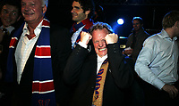 Fotball <br /> NM CUP <br /> Cupfinale<br /> 09.11.08<br /> Youngstorget fest<br /> Vålerenga VIF - Stabæk<br /> Leder i sportslig utvalg - statssekretær Raymond Johansen var så glad på festen<br /> Foto - Kasper Wikestad