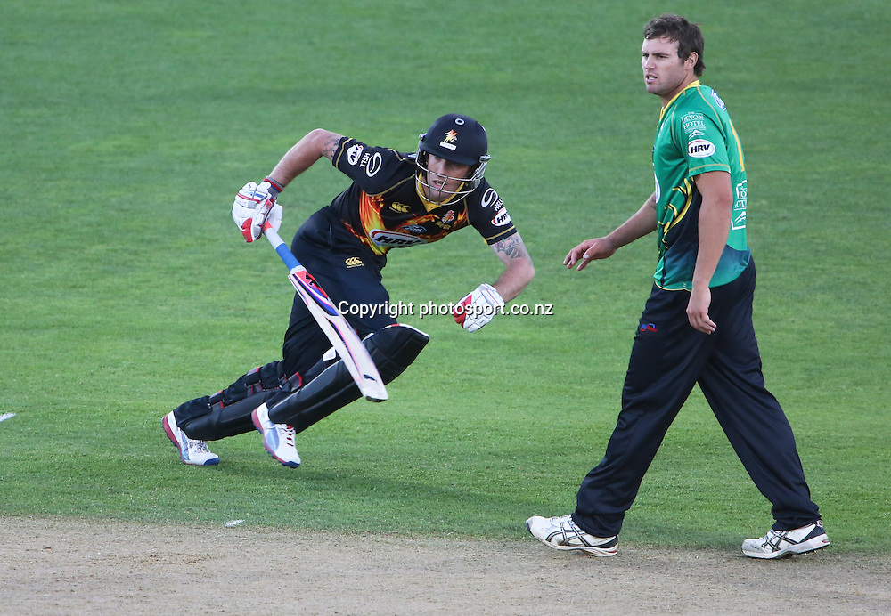Wellington's Luke Ronchi in the HRV Cup T20 cricket match between the Central Districts Stags and the Wellington Firebirds at McLean Park, Napier, New Zealand. Friday, 07 December, 2012. Photo: John Cowpland / photosport.co.nz