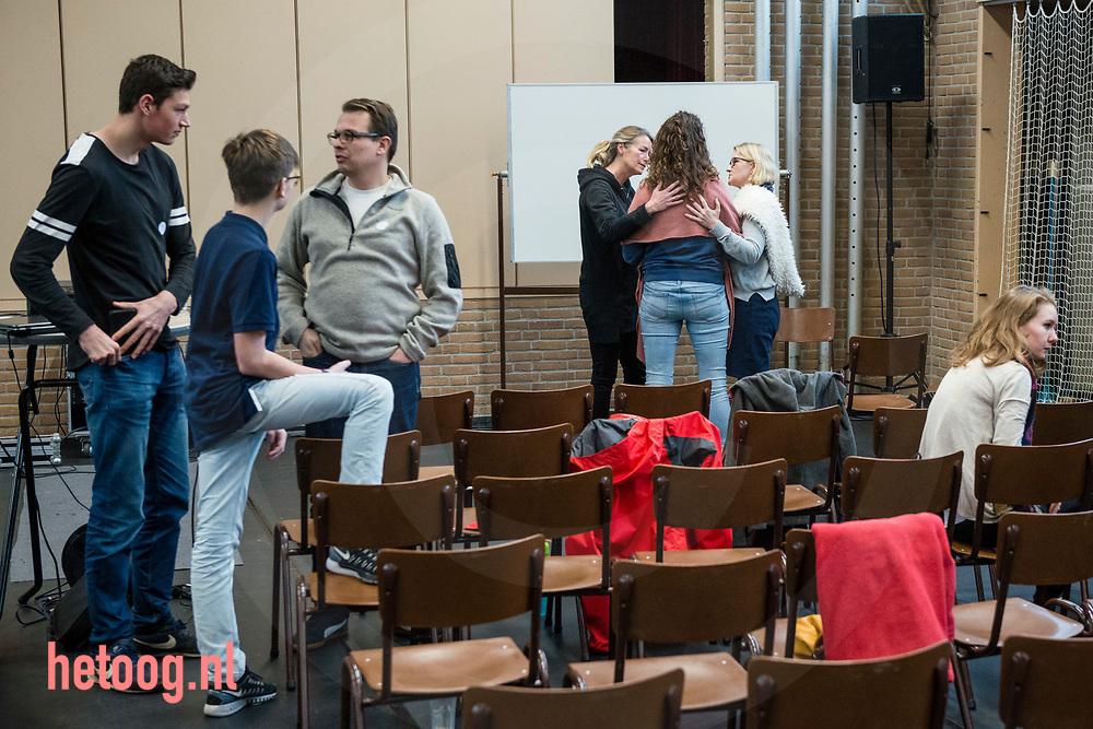 Nederland, Daarlerveen 20jan2018  In het Trefpunt Daarlerveen is deze dagen een groot evangelisatie-event, met onder meer straat- evangelisatiie. In de sporthal werd ondermeer samen gebeden  Cees Elzenga/hetoog.nl CE20180120 Editie: Reggestreek