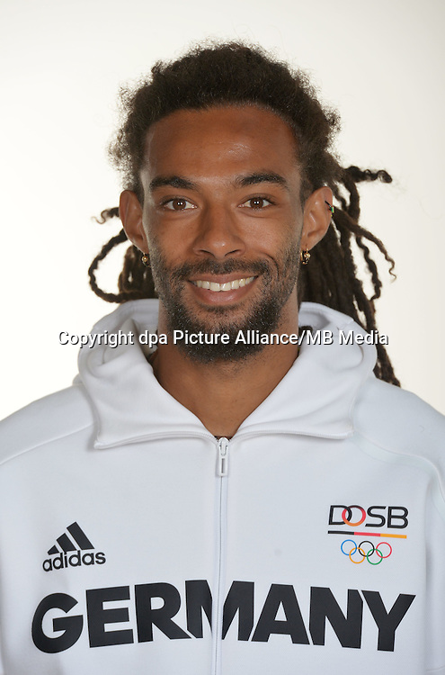 Dustin Brown poses at a photocall during the preparations for the Olympic Games in Rio at the Emmich Cambrai Barracks in Hanover, Germany. July 26, 2016. Photo credit: Frank May/ picture alliance. | usage worldwide
