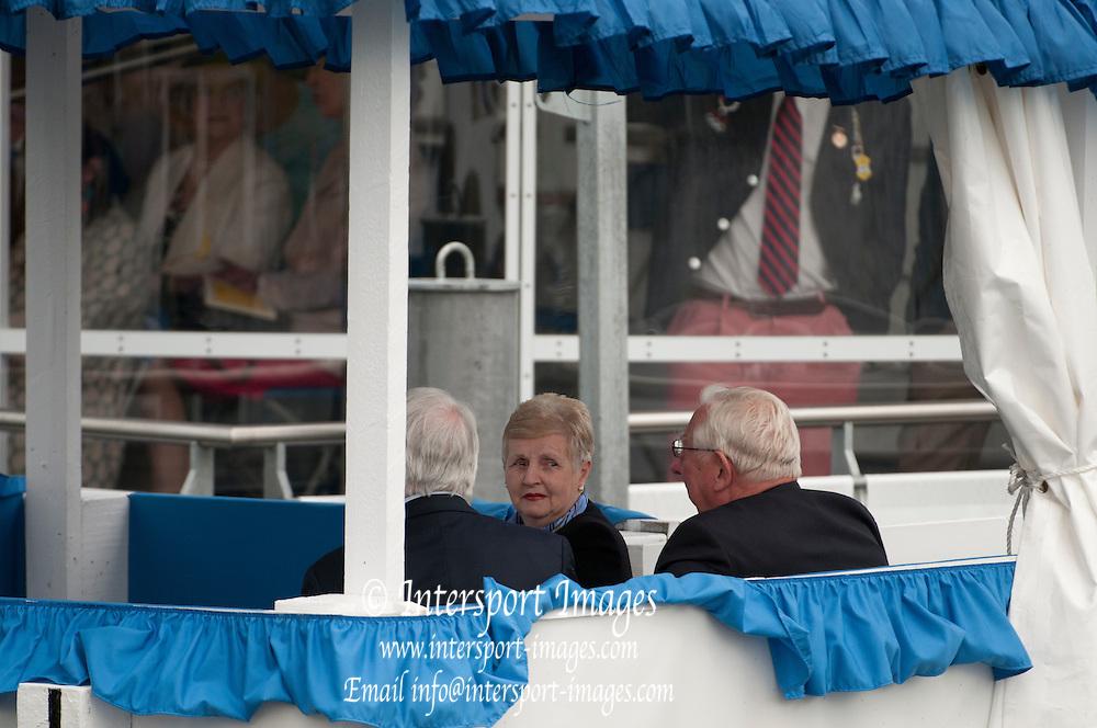 Henley, Great Britain.  Henley Royal Regatta. River Thames,  Henley Reach.  Royal Regatta. River Thames Henley Reach. Thursday  15:15:26  30/06/2011  [Intersport Images] . HRR
