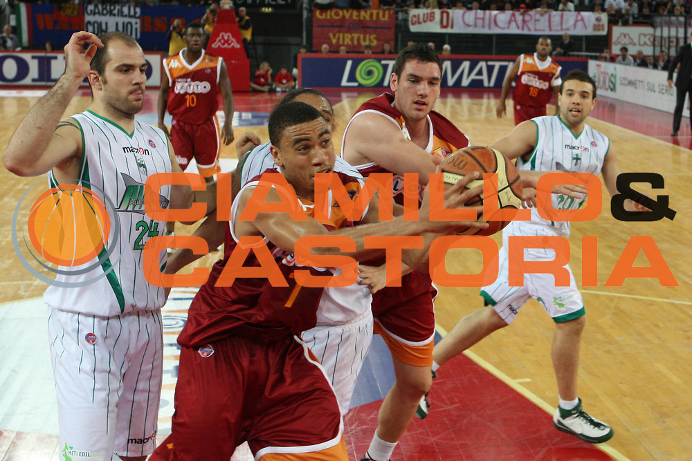 DESCRIZIONE : Roma Lega A 2009-10 Basket Lottomatica Virtus Roma Air Avellino<br /> GIOCATORE : Ibrahim Jaaber<br /> SQUADRA : Lottomatica Virtus Roma<br /> EVENTO : Campionato Lega A 2009-2010<br /> GARA : Lottomatica Virtus Roma Air Avellino<br /> DATA : 25/10/2009<br /> CATEGORIA : passaggio<br /> SPORT : Pallacanestro<br /> AUTORE : Agenzia Ciamillo-Castoria/G.Ciamillo