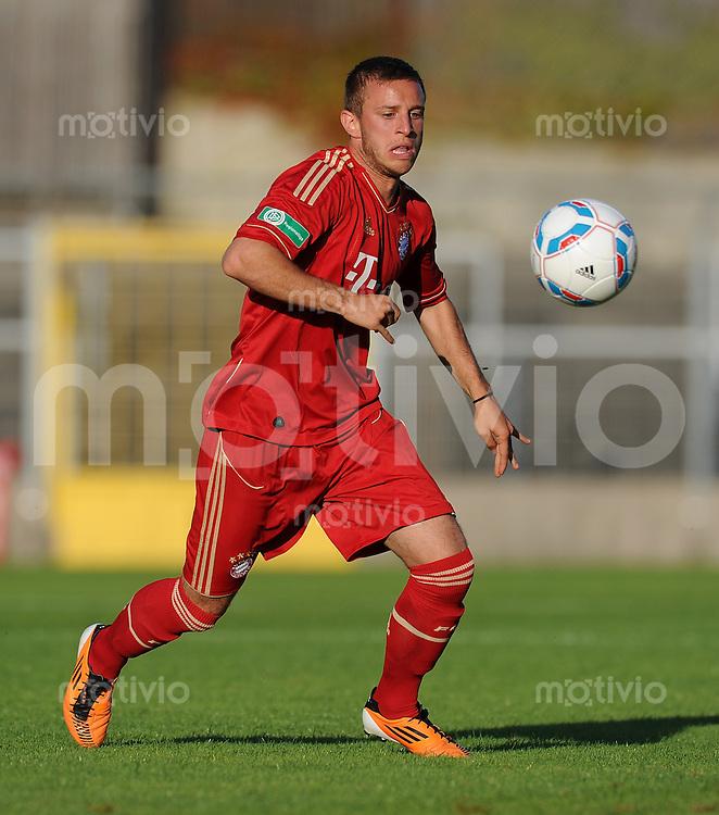 FUSSBALL  Regionalliga Sued     SAISON  2011/2012     12.08.2011 FC Bayern Muenchen II - FC Memmingen David Vrzogic (FC Bayern II)