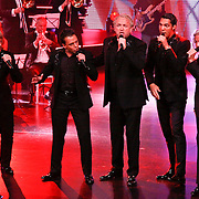 NLD/Hilversum/20100910 - Finale Holland's got Talent 2010, Gordon met band Los Angeles, the voices