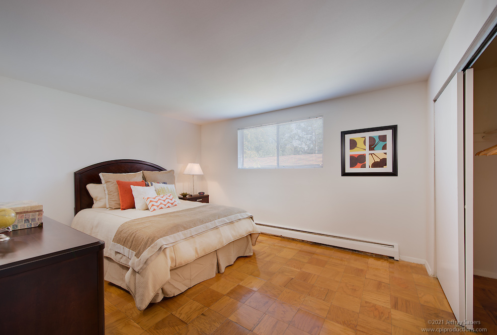 Interior image of Layton Hall Apartments in Fairfax Virginia by Jeffrey Sauers of Commercial Photographics, Architectural Photo Artistry in Washington DC, Virginia to Florida and PA to New England