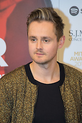 Grosvenor House Hotel, London, November 7th 2016. Luminaries from the music industry gather at the Grosvenor House Hotel for the Music Industry Awards, where this year The Who's Roger Daltrey CBE is honored with the 25th annual MITS award in support of Nordoff Robbins and The BRIT Trust. PICTURED: Tom Chaplin