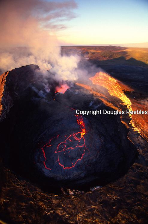 Pu'u O'o crater, Kilauea Volcano, Hawaii Volcanoes National Park, Island of Hawaii, Hawaii, USA<br />