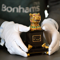 London 23d March 2009 Bonhamms photocall for a recently discovered gem-set  gold finial from the throne of Tipu Sultan  that hopes to achieve £800,000  when auctioned on April 2nd 2009...Standard Licence feee's apply  to all image usage.Marco Secchi - Xianpix tel +44 (0) 845 050 6211 .e-mail ms@msecchi.com .http://www.marcosecchi.com