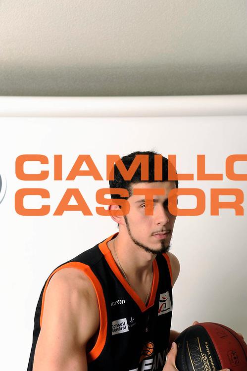 DESCRIZIONE : Championnat de France Pro A Magazine Orleans<br /> GIOCATORE : Ryan Ayers<br /> SQUADRA : Orleans<br /> EVENTO : Pro A <br /> GARA : <br /> DATA : 19/10/2012<br /> CATEGORIA : Basketball Homme<br /> SPORT : Basketball<br /> AUTORE : JF Molliere<br /> Galleria : France Basket 2012-2013 Magazine<br /> Fotonotizia : Championnat de France Basket Pro A Remerciements &agrave; l' hotel  Novotel<br /> Predefinita :
