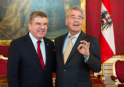 03.06.2015, Präsidentschaftskanzlei, Wien, AUT, Besuch des Präsidenten des Internationalen Olympischen Komitees bei Bundespräsident Fischer, im Bild v.l.n.r. IOC Präsident Thomas Bach und Bundespraesident von Österreich Heinz Fischer // f.l.t.r. IOC President Thomas Bach and Federal President of Austria Heinz Fischer during visit of the president of international olympic committee at Federal Presidents Office in Vienna, Austria on 2015/06/03, EXPA Pictures © 2015, PhotoCredit: EXPA/ Michael Gruber