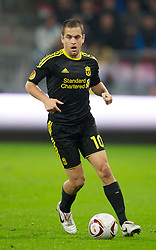 UTRECHT, THE NETHERLANDS - Thursday, September 30, 2010: Liverpool's Joe Cole in action against FC Utrecht during the UEFA Europa League Group K match at the Stadion Galgenwaard. (Photo by David Rawcliffe/Propaganda)