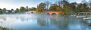 Early morning mist at Sonning bridge on the River Thames, Sonning, Berkshire, Uk