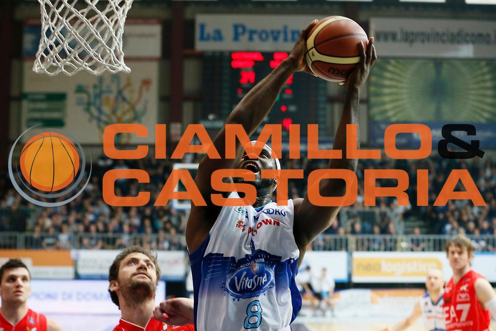 DESCRIZIONE : Cantu Lega A 2013-14 Acqua Vitasnella Cantu EA7 Emporio Armani Milano<br /> GIOCATORE : Adrian Uter<br /> CATEGORIA : Tiro<br /> SQUADRA : Acqua Vitasnella Cantu<br /> EVENTO : Campionato Lega A 2013-2014<br /> GARA : Acqua Vitasnella Cantu EA7 Emporio Armani Milano<br /> DATA : 23/12/2013<br /> SPORT : Pallacanestro <br /> AUTORE : Agenzia Ciamillo-Castoria/G.Cottini<br /> Galleria : Lega Basket A 2013-2014  <br /> Fotonotizia : Cantu Lega A 2013-14 Acqua Vitasnella Cantu EA7 Emporio Armani Milano<br /> Predefinita :