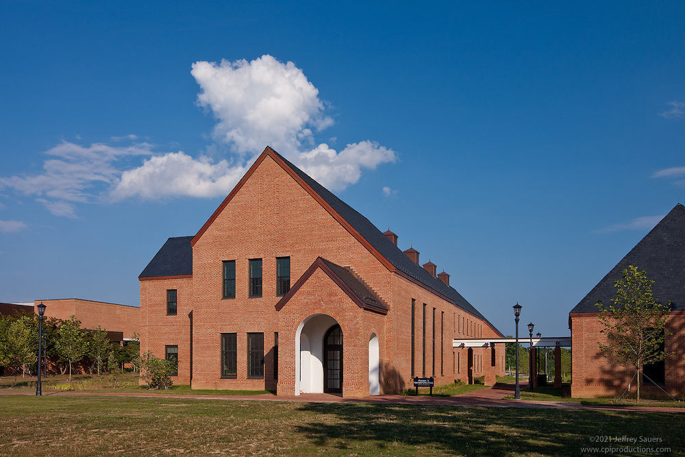 Interior or exterior image of St. Mary's College Student Services Building