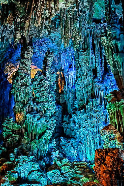 Close-up of the Reed Flute Cave.