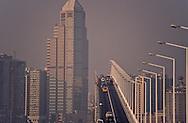 Macau  to Taipa bridge. In the background, the bank of China and a new area build on reclaimed land.  ///  le pont Taipa macao avec dansle fond la banque de chine et un nouveau quartier construit sur un polder. Macao /// R00228/21    L1639  /  R00228  /  P0006559