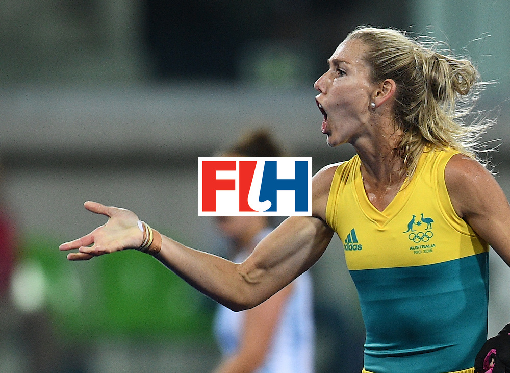 Australia's Casey Sablowski shouts during the women's field hockey Australia vs Argentina match of the Rio 2016 Olympics Games at the Olympic Hockey Centre in Rio de Janeiro on August, 11 2016. / AFP / MANAN VATSYAYANA        (Photo credit should read MANAN VATSYAYANA/AFP/Getty Images)