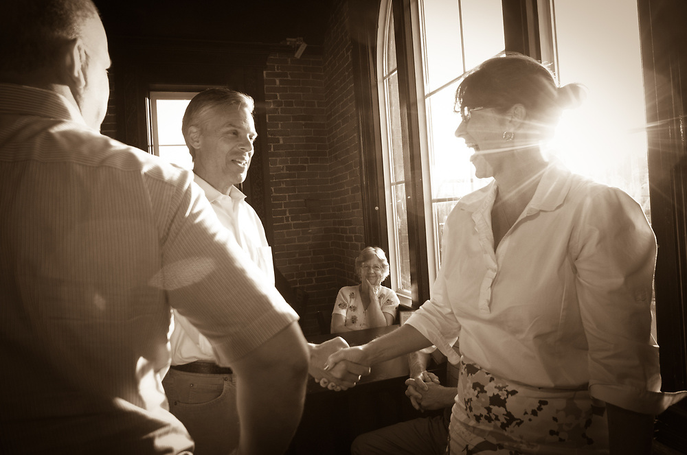 Former Ambassador to China and former Utah Gov. Jon Huntsman Speaks with Members of the Derry GOP Committee<br /> Halligan Tavern. Derry, NH 4th of August 2011