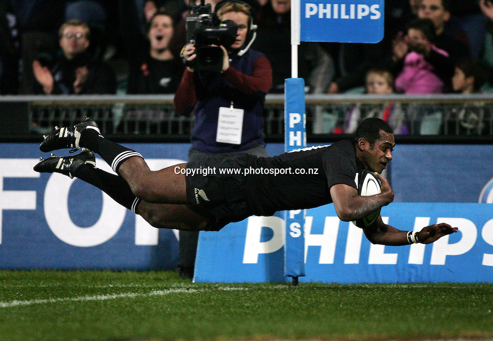 All Black winger Sitiveni Sivivatu scores his second try during the All Blacks v Fiji test match played at Albany Stadium in Auckland,New Zealand on Friday 10 June, 2005. The All Blacks won the match 91-0.Photo:Andrew Cornaga/PHOTOSPORT