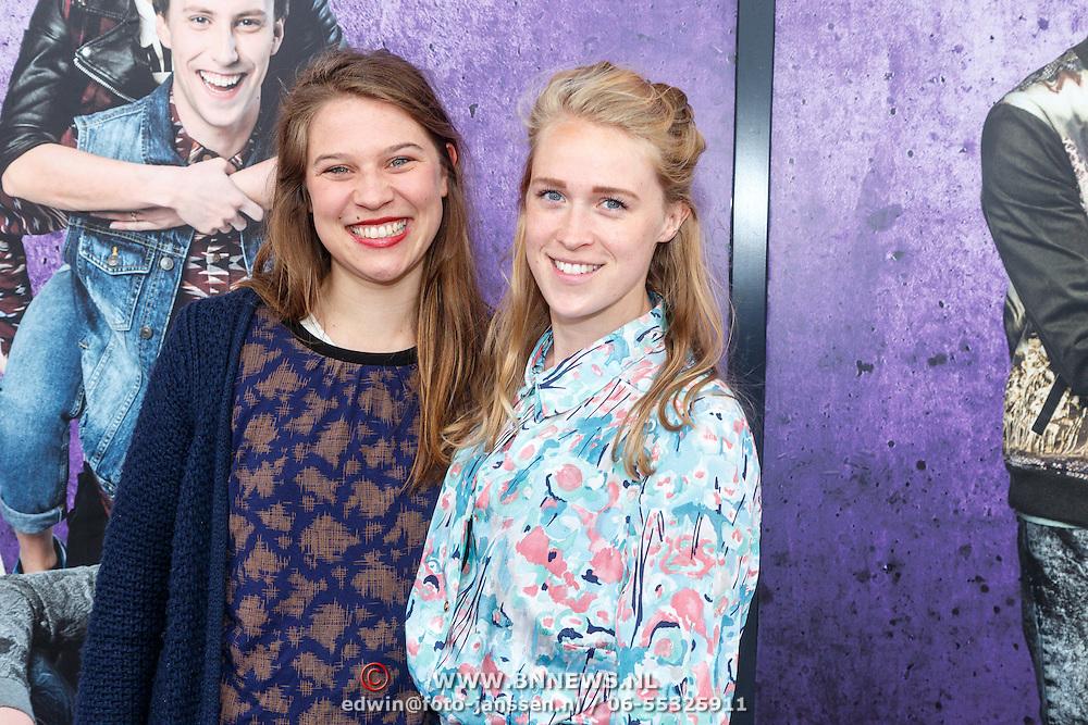 NLD/Amsterdam/20150614 - Filmpremiere Spangas in Actie, Jasmijn Vriethoff met haar zus