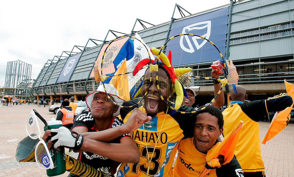 Chiefs and Pirates fans getting ready for the game at Orlando Stadium.30 October 2009,.Kaizer Chiefs v Orlando Pirates, Absa Premiership League, Orlando Stadium, Soweto, South Africa, .Credit:Abbey Sebetha / Eagency/SPORTZPICS