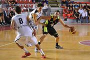 DESCRIZIONE : Roma Serie A2 2015-16 Acea Virtus Roma Benacquista Assicurazioni Latina<br /> GIOCATORE : Giuliano Maresca<br /> CATEGORIA : palleggio tecnica<br /> SQUADRA : Acea Virtus Roma<br /> EVENTO : Campionato Serie A2 2015-2016<br /> GARA : Acea Virtus Roma Benacquista Assicurazioni Latina<br /> DATA : 27/09/2015<br /> SPORT : Pallacanestro <br /> AUTORE : Agenzia Ciamillo-Castoria/G.Masi<br /> Galleria : Serie A2 2015-2016<br /> Fotonotizia : Roma Serie A2 2015-16 Acea Virtus Roma Benacquista Assicurazioni Latina