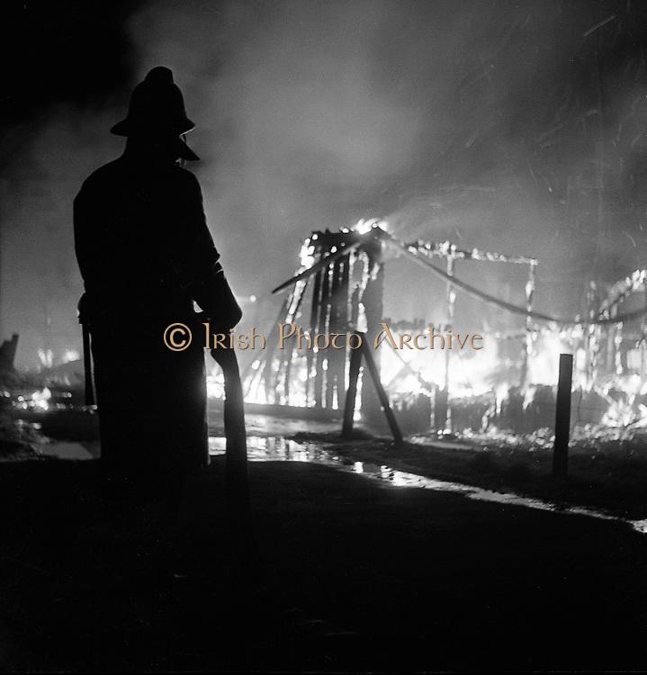 Fire destroys the Glenane Sports Pavilion at Fortfield Road, Terenure, Dublin..05.02.1962