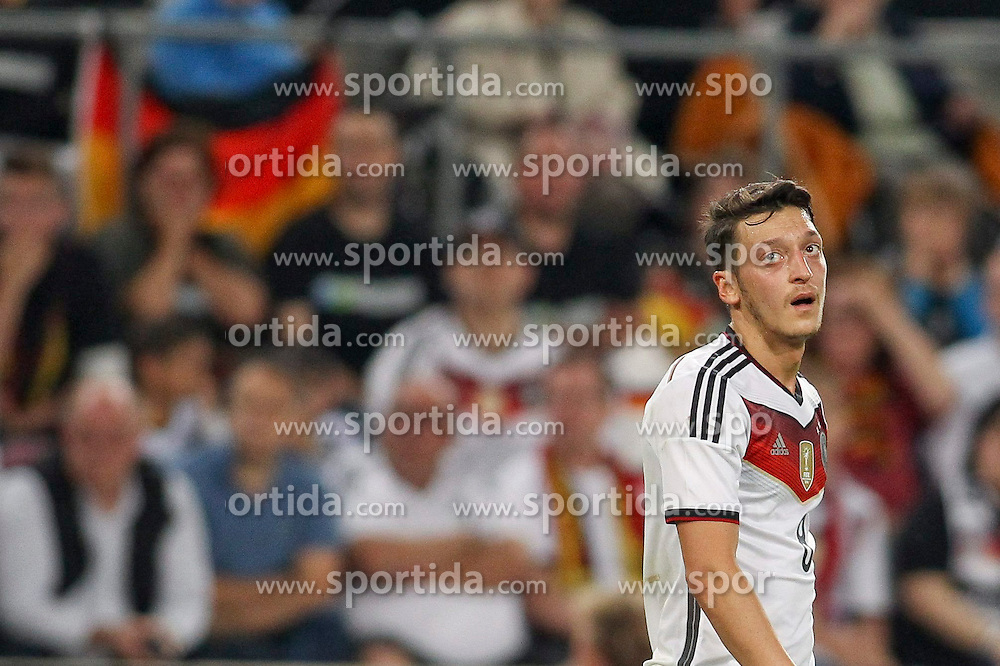 10.06.2015, RheinEnergie Stadion, Koeln, GER, FS Vorbereitung, Testspiel, Deutschland vs USA, im Bild Mesut Oezil (FC Arsenal) // during the international friendly football match between Germany and USA at the RheinEnergie Stadion in Koeln, Germany on 2015/06/10. EXPA Pictures &copy; 2015, PhotoCredit: EXPA/ Eibner-Pressefoto/ Schueler - Pressefoto<br /> <br /> *****ATTENTION - OUT of GER*****
