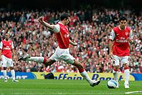 Photo: Tom Dulat.<br /> Arsenal v Sunderland. The FA Barclays Premiership. 07/10/2007.<br /> Robin van Persie scored opener for Arsenal, 1-0