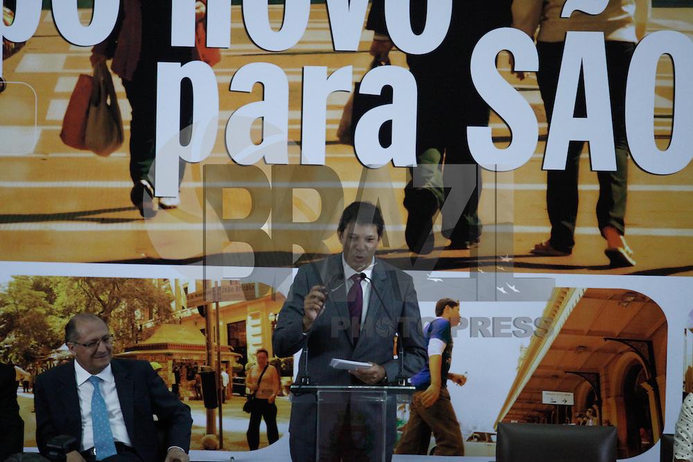 SAO PAULO, SP, 01 JANEIRO 2013 - POSSE FERNANDO HADDAD EM SAO PAULO - O prefeito eleito Fernando Haddad durante cerimonia de posse na sede da Prefeitura de São Paulo (SP),  nesta terca-feira, 01. (FOTO: VANESSA CARVALHO / BRAZIL PHOTO PRESS).
