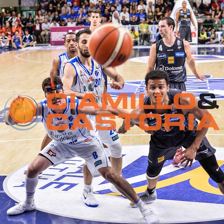 Giacomo Devecchi, Shavon Shields<br /> Banco di Sardegna Dinamo Sassari - Dolomiti Energia Aquila Basket Trento<br /> Legabasket Serie A LBA Poste Mobile 2016/2017<br /> Playoff Quarti Gara3<br /> Sassari 16/05/2017<br /> Foto Ciamillo-Castoria