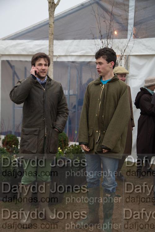 MATTHEW DE LA HEY; JAKE BAINBRIDGE, Heythrop Point to Point. At a  new course at Cocklebarrow near Aldsworth. 11 January 2014