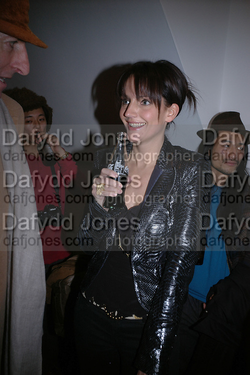 SAFFRON ALDRIDGE. Hope and Glory Photographs by Dennis Morris. Max Wigram Gallery. 99 New Bond St. 13 December 2005. ONE TIME USE ONLY - DO NOT ARCHIVE  © Copyright Photograph by Dafydd Jones 66 Stockwell Park Rd. London SW9 0DA Tel 020 7733 0108 www.dafjones.com