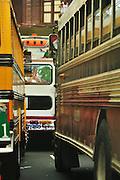 Diablo rojo,  Bus panameño que viaja a grandes velocidades y no se detiene hasta estrellarse, generalmente haciendo carreras con otro en medio de la ciudad. Son los máximos exponentes de la velocidad en medio de la ciudad. Son traídos de las escuelas de los Estados Unidos y se revenden en la Zona Libre de Colón a un precio baratisimo. Se usan hasta su muerte en accidentes..Cada conductor de estos buses tiene más de 500 boletas.