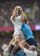 Twickenham Great Britain.  George KRUIS, out jumps, Marco BORTOLAMI to win the line out ball during the 2015 RBS Six Nations Rugby; England vs Italy. RFU Twickenham Stadium. England. Saturday  14/02/2015  [Mandatory Credit; Peter Spurrier/Intersport-images]