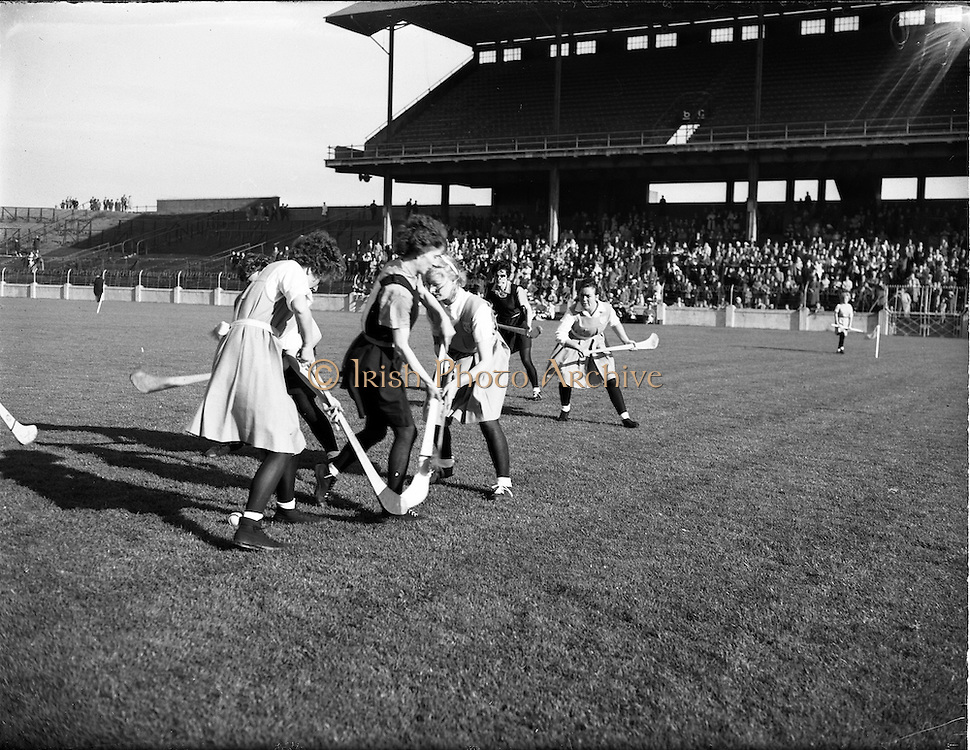 08/10/1961<br /> 10/08/1961<br /> 08 October 1961<br /> All Ireland Camogie Final at Croke Park, Dublin. Tipperary v Dublin.