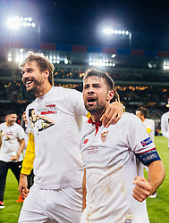 18.05.2016, St. Jakob Park, Basel, SUI, UEFA EL, FC Liverpool vs Sevilla FC, Finale, im Bild Jubel von Llorente (FC Sevilla), Coke (FC Sevilla) // Llorente (FC Sevilla) Coke (FC Sevilla) celebrates during the Final Match of the UEFA Europaleague between FC Liverpool and Sevilla FC at the St. Jakob Park in Basel, Switzerland on 2016/05/18. EXPA Pictures © 2016, PhotoCredit: EXPA/ JFK