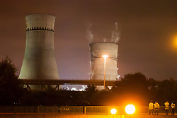 Tinsley Cooling Towers, a Sheffield industrial landmark at Junction 34 of the M1 motorway for 70 years are demolished at 03:00 on August 24th 2008<br />