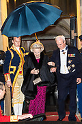 Koningspaar biedt Corps Diplomatique diner aan in het Paleis op de dam /// Royal Couple offers Corps Diplomatique dinner in the Palace on the dam<br /> <br /> Op de foto / On the photo:  Prinses Beatrix / Princess Beatrix