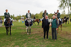 Team Ireland winning the Nations Cup <br /> Lynch Denis, Duffy Alx, Breen Shane, Twomey Billy, chef d'equipe Splaine Robert abd Mr Buchmann Jacky (president KBRSF)<br /> CSIO Lummen 2010<br /> © Dirk Caremans