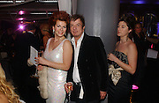Cleo Rocos and Nicky Haslam. The Black and White Winter Ball. Old Billingsgate. London. 8 February 2006. -DO NOT ARCHIVE-© Copyright Photograph by Dafydd Jones 66 Stockwell Park Rd. London SW9 0DA Tel 020 7733 0108 www.dafjones.com