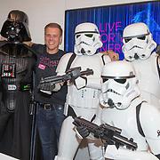 NLD/Amsterdam/20170202 - Armin van Buuren opent eigen A State Of Trance-radiostudio, Armin van Buuren en Dart Vader van Star Wars