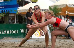 30-06-2000 NED: Beach Masters Tournooi, Apeldoorn<br /> Jaline 't Hart, Pauline Maurice