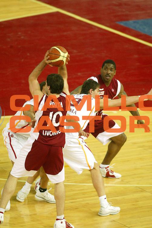 DESCRIZIONE : Roma Lega A1 2005-06 Lottomatica Virtus Roma Basket Livorno <br /> GIOCATORE : <br /> SQUADRA : Lottomatica Virtus Roma <br /> EVENTO : Campionato Lega A1 2005-2006 <br /> GARA : Lottomatica Virtus Roma Basket Livorno <br /> DATA : 04/02/2006 <br /> CATEGORIA : Tecnica <br /> SPORT : Pallacanestro <br /> AUTORE : Agenzia Ciamillo-Castoria/G.Ciamillo